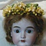 Венок из восковых цветов на куклу 60см и выше.