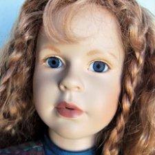 Что с глазом у куклы