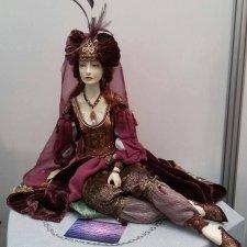 Хочу познакомить вас с ещё одной куклой моей работы. Роксолана. Фарфор