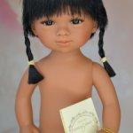 Яркая Селия с косичками, карими глазами от Кармен Гонзалес