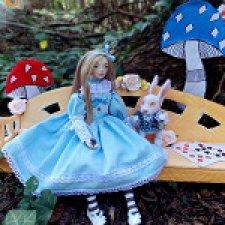"""Коллекция """"Алиса в стране чудес"""", подвижные куклы ручной работы и белый кролик"""