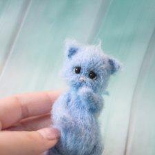 Котенок Том, игрушка вязанная спицами