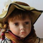Фарфоровая кукла из Англии, с мягким телом.