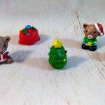 Мишки Деды Морозы с подарками.