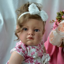 Смотрит на мир своими глазами... Моя куколка реборн Изабель.  Автор Оксана Калиниченко