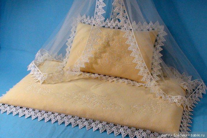 """Комплект в кроватку или коляску """"Кружево"""". Материал флис, отделка вышивкой и кружевом."""