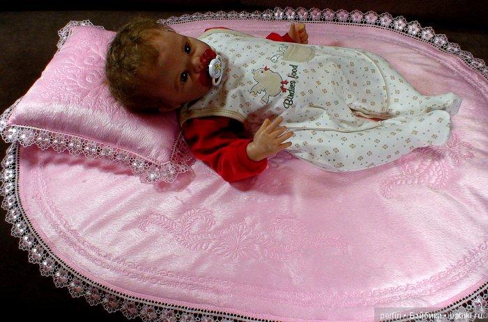 """Комплект в кроватку для куклы """"Овальный""""."""