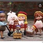 Ищу маленьких куколок-спутниц Holala