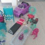 Мебель и машинка Monster High