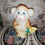 Резиновая обезьянка с поворотной головой времен СССР
