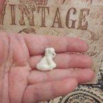 Значок времен СССР. Белый мишка. 2,8 см.