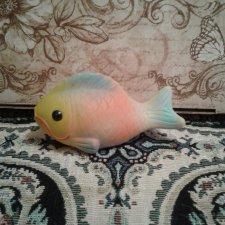 Резиновая игрушка. Рыбка.