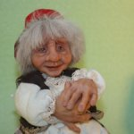 Бабуля с корзиной пирожков