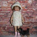 Летние платья и шляпки для Monst и  Райли от Хелен Киш