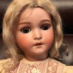 """Антикварная красавица """"Pansy"""" с огромными голубыми глазами"""
