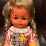 Винтажная виниловая кукла Западная Германия