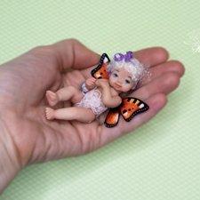 Малышка Бабочка прилетела познакомиться