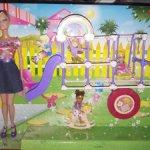 Барби и Челси на детской площадке