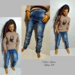 Одежда на кена: джинсы и лонгслив.