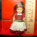 Малюсенькая 7см винтажная кукла в шкатулке с росписью
