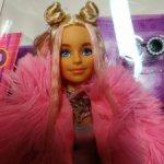 Барби Экстра в розовой шубке