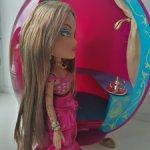 Волшебная лампа и куколка Bratz