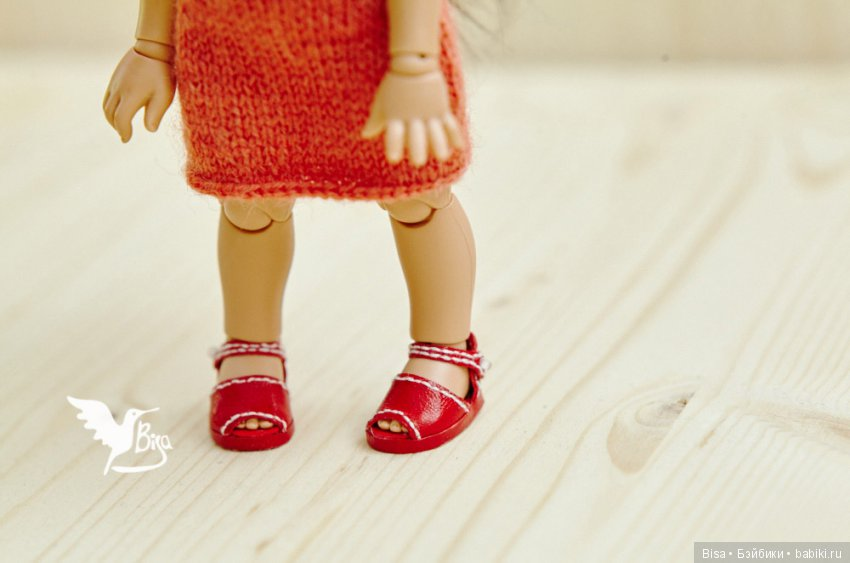 Красные сандалики для пукифи