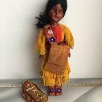 Этническая кукла с младенцем