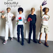 Я несу тебе цветы. Флешмоб в поддержку участниц «Мисс Барби»