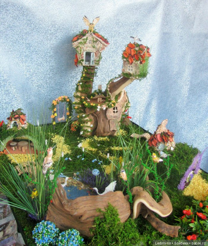 Сказочная поляна и домики для Феи