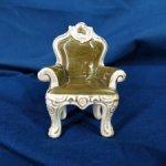 Миниатюрное винтажное кресло, трон, от известного производителя