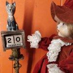 Деревянный календарь для кукол