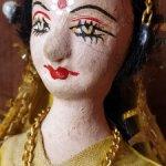 Старинная куколка в национальном костюме