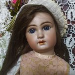 Антикварная кукла от Simon & Halbig, молд  758, 52 см