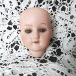 Маленькая голова антикварной куклы Max Oscar Arnold