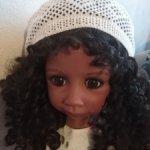 Красивый ажурный берет для большой куклы