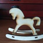 лошадка -качалка для ваших малышек