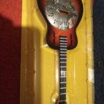 Гитара из коллекции Музыкальные инструменты