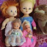 Лот старинных куколок и игрушек