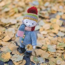 Спрячу осень в свои я ладошки и пойду по листочкам шурша