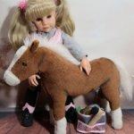 Лошадка Готц (Gotz) + набор для лошадей и шлем