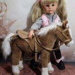 Лошадь от Готц (Gotz) для Ханны-наездницы + набор для лошадей и шлем