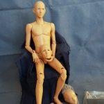 Арсен от Доллше 44cm, cooper oriental , на теле  мистик боди+, три головы, жестовые руки. Новейший!