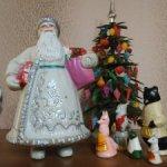 Дед мороз (прессопилки) 50-х годов с жителями Теремка