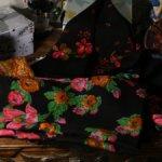 Винтажные шерстяные платки для создания кукольного наряда в русском стиле