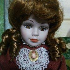 Фарфоровая кукла-шкатулка