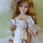 Невероятно милая фарфоровая кукла ищет дом
