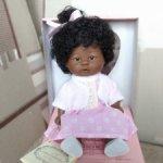 Темнокожая малышка Бебетин