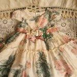 Красивые платья из шелка и хлопка с накидкой для кукол 80-90 см.