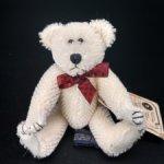 Белоснежный мохеровый медвежонок от Boyds Bears Co. 12 см